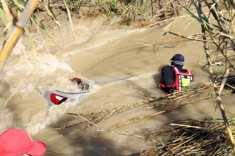 Μεσσαρά: Τραγικό τέλος! Μέσα στο αυτοκίνητο και τα 4 μέλη της οικογένειας (ΔΕΙΤΕ ΦΩΤΟ + VIDEO)