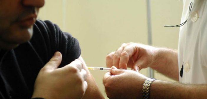 Το 82% των ασθενών με γρίπη που νοσηλεύθηκαν σε ΜΕΘ, δεν είχαν εμβολιαστεί