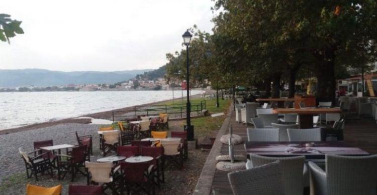 Ο Δήμος Ναυπακτίας καλεί τους επαγγελματίες εστίασης για τη χρήση των κοινοχρήστων χώρων