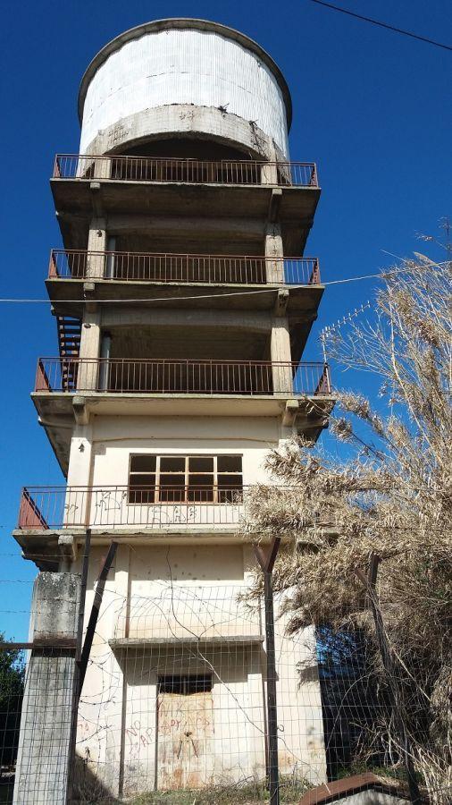 """Ο """"πύργος"""" των Καλυβίων… (ΔΕΙΤΕ ΦΩΤΟ)"""