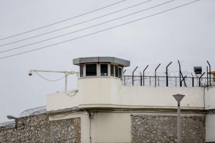 Φυλακές Κορυδαλλού: Αιματηρή συμπλοκή έξω από πτέρυγα – 3 τραυματίες