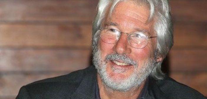 Ευτυχής πατέρας στα 69 του, ο Ρίτσαρντ Γκιρ