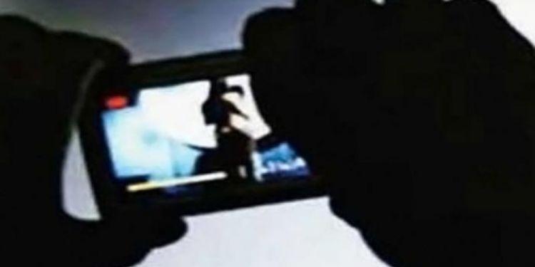 Σοκ στη Κοζάνη: Μαθήτρια είδε στο διαδίκτυο ροζ βίντεο με πρωταγωνίστρια την ίδια!