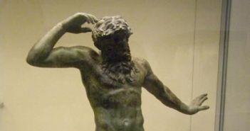 """Τα… """"Ελγίνεια"""" της Πάτρας – Το σπουδαίο άγαλμα που βρέθηκε σε ανασκαφές στο Κάστρο και κατέληξε στο Βρετανικό Μουσείο… (ΦΩΤΟ)"""