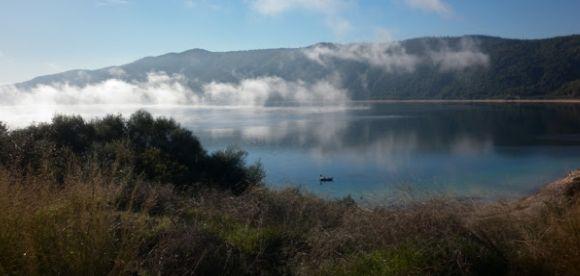 Η φυσική ομορφιά της λίμνης Αμβρακία (ΔΕΙΤΕ ΦΩΤΟ)