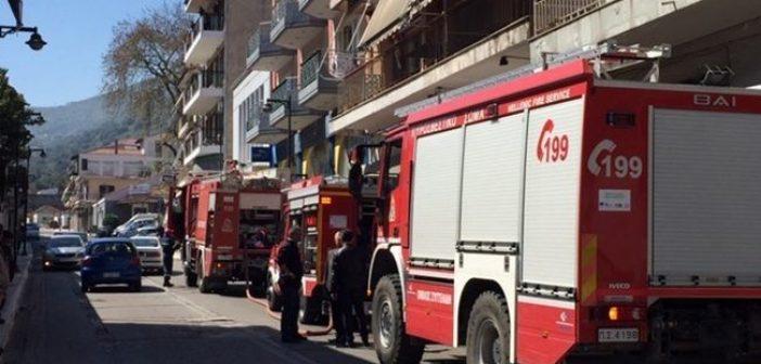 Φωτιά σε διαμέρισμα στην Αμφιλοχία – Μεγάλη επιχείρηση της Πυροσβεστικής (ΔΕΙΤΕ ΦΩΤΟ)