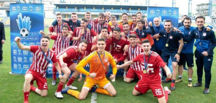 Αγρίνιο: Πρωταθλητές οι «ερυθρόλευκοι» της Κ17