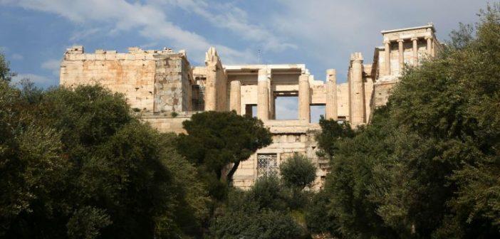 Ο Αρχιφύλακας της Ακρόπολης ήταν και διαχειριστής των εισιτηρίων! Τον τέλειωσε η Μενδώνη