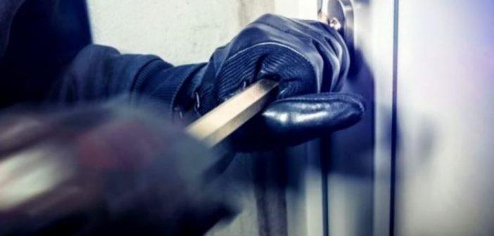 """Αγρίνιο: """"Ποντικοί"""" έκλεψαν κοσμήματα συνολικής αξίας 5.000 ευρώ και 30 ευρώ από οικεία"""