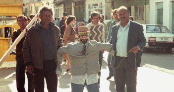 """Σύλλογος Απανταχού Αστακιωτών: Το παλιό έθιμο του Πάσχα """"Το Κάψιμο του Ιούδα"""" θα αναβιώσει ξανά μετά από χρόνια! (ΦΩΤΟ)"""