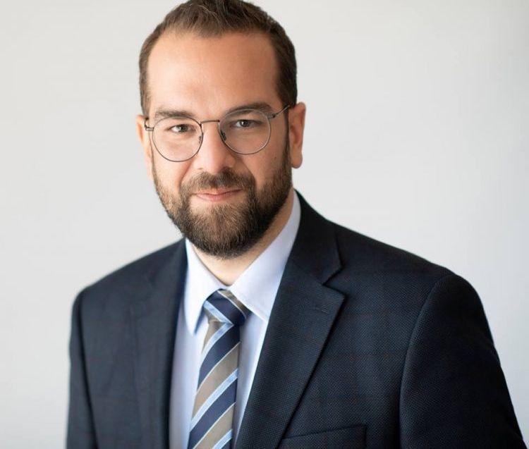 Νεκτάριος Φαρμάκης: «Ο απερχόμενος Περιφερειάρχης, όλο και πιο μόνος στον ρόλο του κυβερνητικού ανθύπατου»
