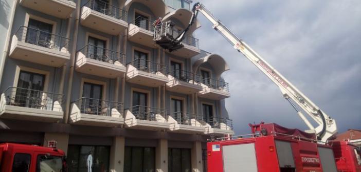 Αγρίνιο: Μεγάλη πυρκαγιά στο ξενοδοχείο Alexander – Άσκηση ετοιμότητας από την Πυροσβεστική (ΔΕΙΤΕ VIDEO + ΦΩΤΟ)