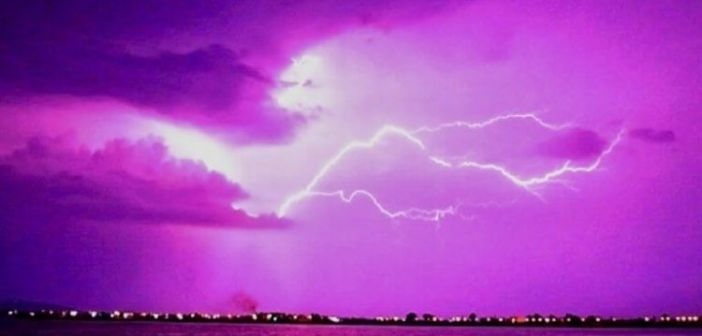 Έκτακτο δελτίο της ΕΜΥ για το επόμενο δίωρο! Σφοδρές καταιγίδες και βροχές