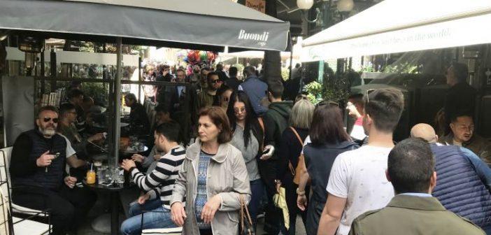 """Αγρίνιο: """"Βουλιάζει"""" η αγορά μετά την Αποκαθήλωση (ΔΕΙΤΕ ΦΩΤΟ)"""