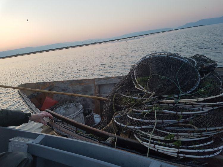 Το Λιμενικό Αμφιλοχίας εντόπισε ψαράδες με παράνομα αλιευτικά εργαλεία και δίχτυα στον Αμβρακικό (ΔΕΙΤΕ ΦΩΤΟ)