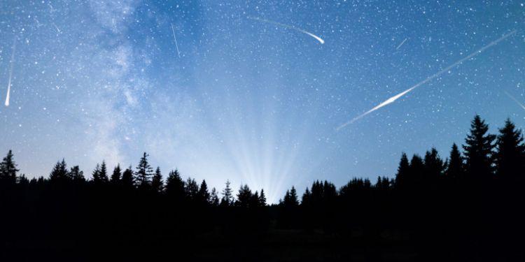 Υδροχοϊδες απόψε! Τα πεφταστέρια από την ουρά του κομήτη του Χάλεϊ