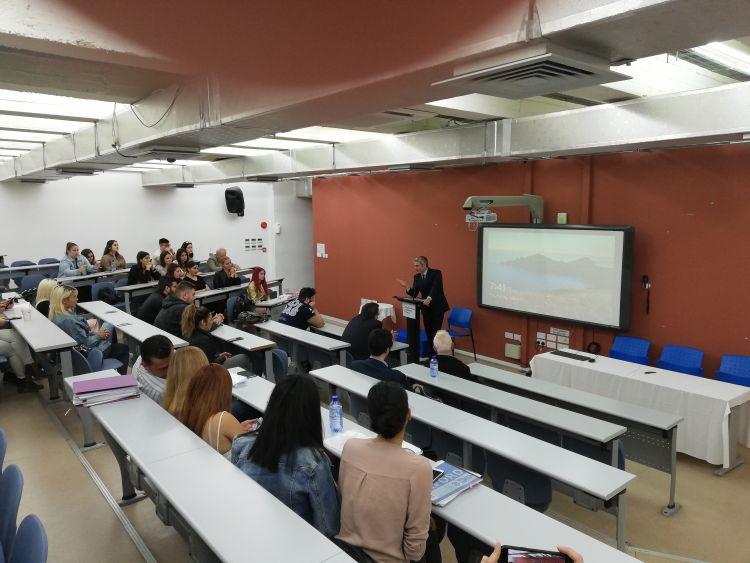 Διάλεξη του Κώστα Καραγκούνη στο Πανεπιστήμιο της Πάφου (ΦΩΤΟ)