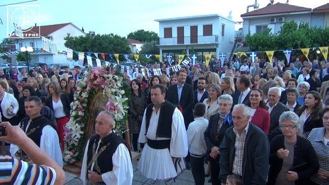 Αμφιλοχία: Μέγας Πανηγυρικός Εσπερινός και λιτάνευση της ιερής εικόνας στον πολιούχο Λουτρού Άγιο Νικόλαο (ΦΩΤΟ + VIDEO)