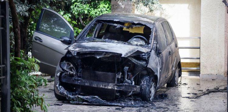 Ανάληψη ευθύνης για τον εμπρησμό του αυτοκινήτου της Μίνας Καραμήτρου (ΔΕΙΤΕ VIDEO)