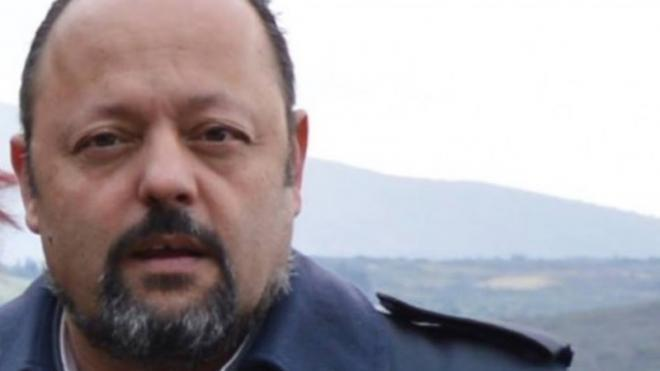 Δυτική Ελλάδα: Ο πατρινός Αρτέμης Σώρρας επηρεάζει κόσμο ακόμα και μέσα από το κελί – Οπαδοί του μηνύουν τη ΔΕΗ γιατί δεν δέχεται πληρωμές από τα «ομόλογά του»