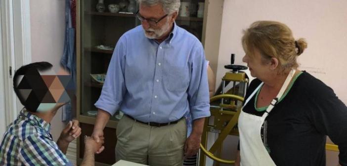 """Επίσκεψη Γιάννη Αναγνωστόπουλου στο Εργαστήρι """"Παναγία Ελεούσα"""" (ΔΕΙΤΕ ΦΩΤΟ)"""