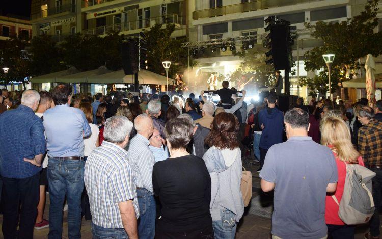 Με μια μεγάλη γιορτή στην πλατεία Γεωργίου έκλεισε την προεκλογική του εκστρατεία ο Απόστολος Κατσιφάρας (ΔΕΙΤΕ ΦΩΤΟ)