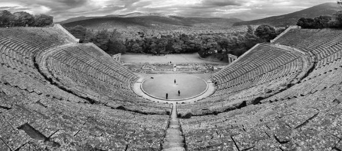 Το Εθνικό Θέατρο στο Αρχαίο Θέατρο Επιδαύρου με τις «Ευμενίδες» της Αγρινιώτισσας Γ. Μαυραγάνη (ΔΕΙΤΕ ΦΩΤΟ)