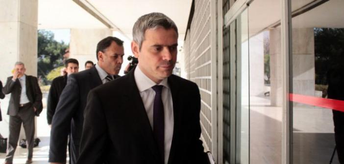 """Κ. Καραγκούνης: """"Δύο ώρες πριν από τον γάμο μου ήμουν ακόμη στο υπουργείο – Δεν άρεσε στη γυναίκα μου"""""""