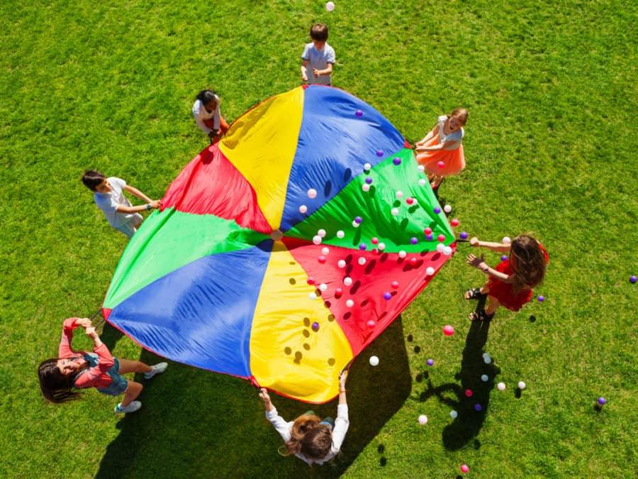 ΕΦΚΑ: Ξεκινά η υποβολή αιτήσεων για τις παιδικές κατασκηνώσεις
