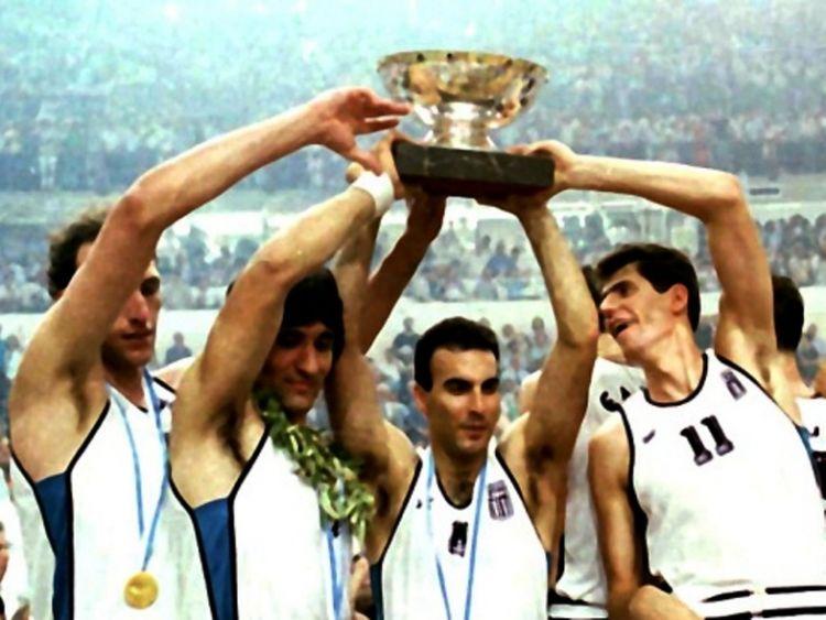 Συμπληρώνονται 32 χρόνια από τη μέρα που η Ελλάδα κατέκτησε την κορυφή της Ευρώπης (ΔΕΙΤΕ ΦΩΤΟ + VIDEO)
