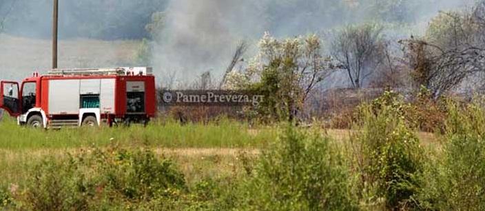 Πρέβεζα: Τέσσερις πυρκαγιές σε δύο ώρες! – Στις φλόγες Ι.Χ.