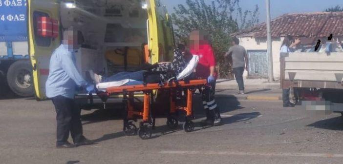 """Αγρίνιο: Ένα ακόμα τροχαίο στην εθνική – """"καρμανιόλα"""" – Δύο άτομα στο Νοσοκομείο (ΔΕΙΤΕ ΦΩΤΟ)"""