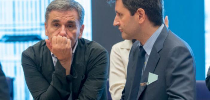 Έκθεση Κομισιόν: «Βλέπει» κίνδυνο δημοσιονομικής εκτροπής λόγω παροχών