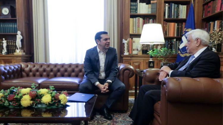 Αντίστροφη μέτρηση για την κυβέρνηση Τσίπρα: Στις 18:30 ο πρωθυπουργός στον Παυλόπουλο