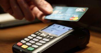 Πληρωμές με κάρτες: Υποχρεωτική η χρήση PIN και στις ανέπαφες συναλλαγές – Όλες οι αλλαγές που έρχονται από Σεπτέμβρη