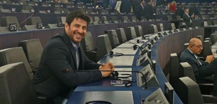 Αλέξης Γεωργούλης: Ξεκίνησε την καριέρα του στην Ευρωβουλή με ερώτηση για το FaceApp!