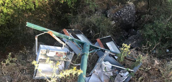 Έπεσαν στύλοι προβολέων στο γήπεδο της Κατούνας (ΦΩΤΟ)