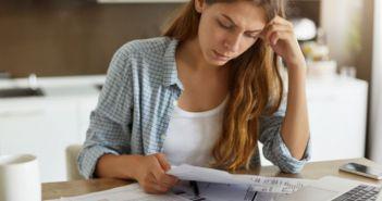 Συνήγορος Καταναλωτή: Να καταργηθεί το 1 ευρώ για έκδοση χάρτινων λογαριασμών ΔΕΗ