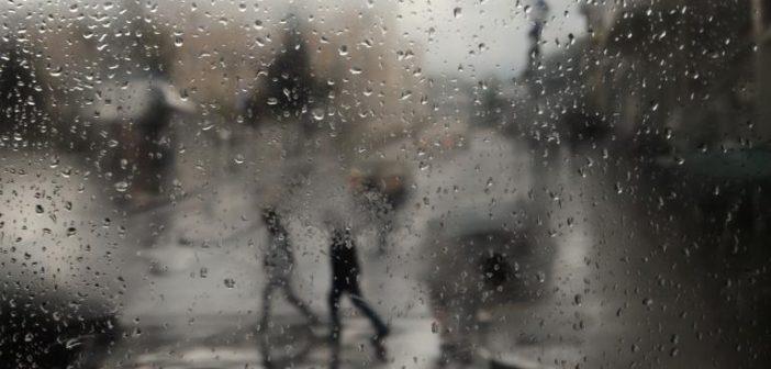 Καιρός αύριο: Βροχές και καταιγίδες κατά τόπους ισχυρές!