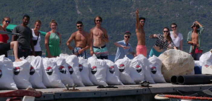 Οι clean beach pirates…σε Καστό και Κάλαμο (ΔΕΙΤΕ ΦΩΤΟ)