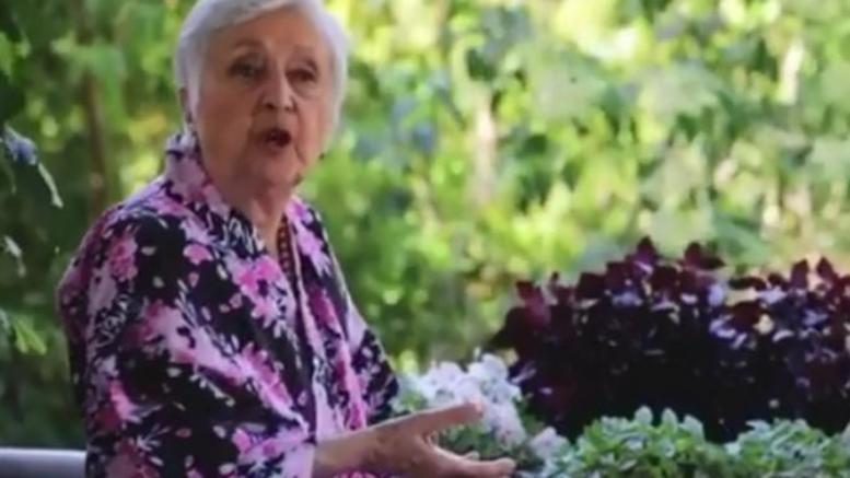 """Η… """"Θεοπούλα"""" με καταγωγή από το Θέρμο επιστρέφει δια χειρός Καπουτζίδη (VIDEO)"""
