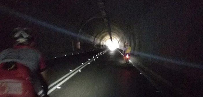 Παραμένει χωρίς φωτισμό η σήραγγα Αγίου Ηλία -Αγανάκτηση σε οδηγούς και ποδηλάτες (ΔΕΙΤΕ ΦΩΤΟ)