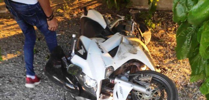 Σοβαρό τροχαίο στη Νεάπολη Αγρινίου: Στο Νοσοκομείο οδηγός μηχανής μεγάλου κυβισμού (ΔΕΙΤΕ ΦΩΤΟ)