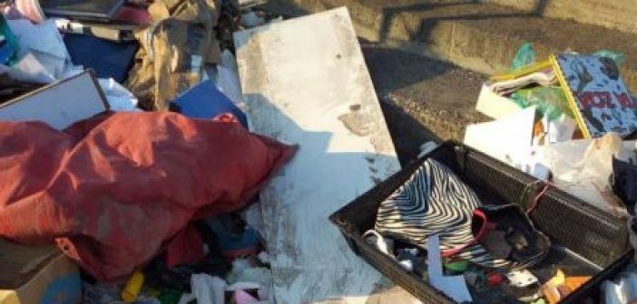 Nαύπακτος: Μια χωματερή δίπλα στη Βαριά – Εικόνες που μας προσβάλλουν