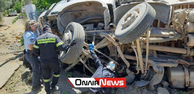 Μεσολόγγι: Τροχαίο με τραυματισμό – Τρελή πορεία φορτηγού (ΔΕΙΤΕ ΦΩΤΟ)