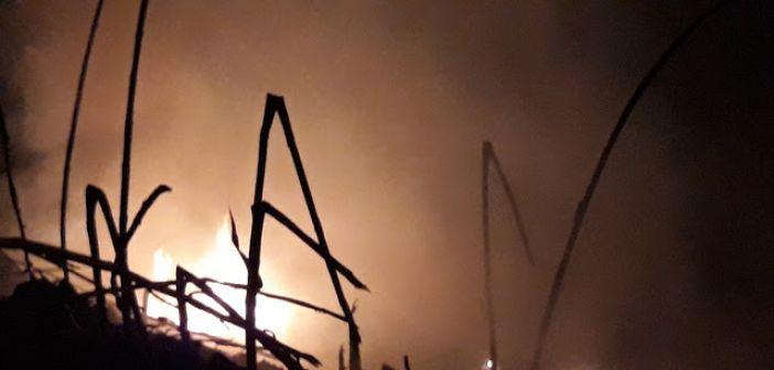 Νυχτερινή μάχη με τις φλόγες στο Καινούργιο – Μεγάλη κινητοποίηση της Πυροσβεστικής (ΔΕΙΤΕ ΦΩΤΟ + VIDEO)