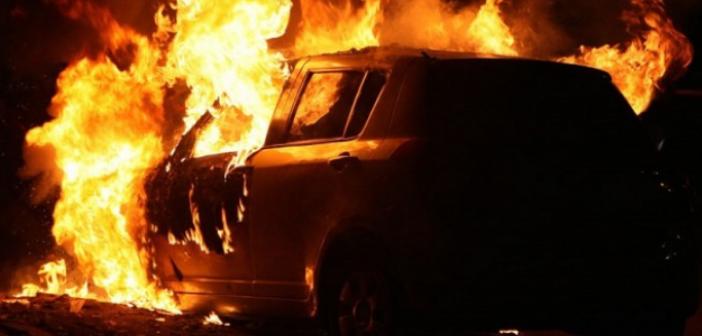 Παρανάλωμα του πυρός έγινε αυτοκίνητο στο Μεσολόγγι (ΔΕΙΤΕ ΦΩΤΟ)