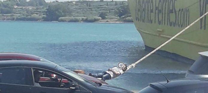 Απλά δεν υπάρχει! Πήρε έναν υπνάκο στον… κάβο του πλοίου στο Λιμάνι της Κυλλήνης! (ΔΕΙΤΕ ΦΩΤΟ)