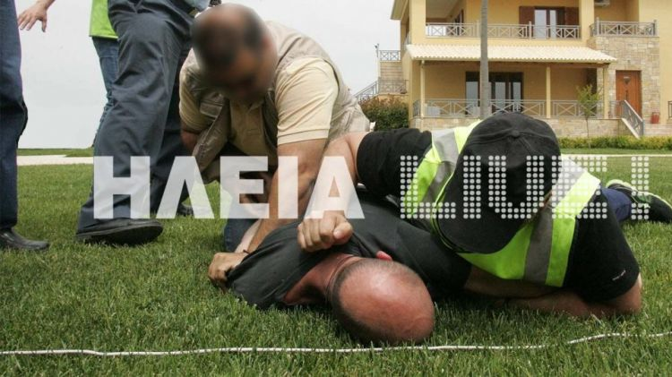 Δυτική Ελλάδα: Άγρια συμπλοκή πυροσβεστών με ύποπτο εμπρηστή – Τους επιτέθηκε με μανία και προκάλεσε τροχαίο! (ΔΕΙΤΕ ΦΩΤΟ)