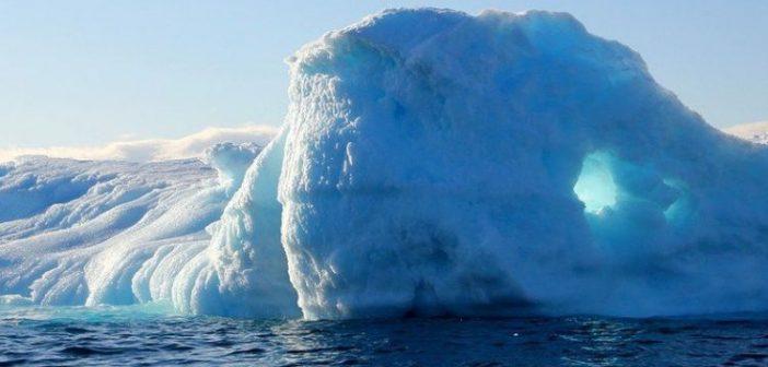 Έλιωσαν 11 δισ. τόνοι πάγου σε μια μέρα! (ΔΕΙΤΕ VIDEO)